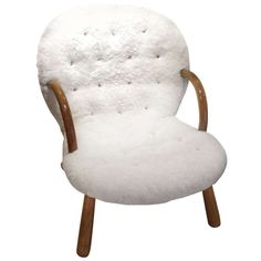 """Philip Arctander's """"Clam chair"""" 