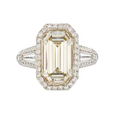 emerald-cut champagne diamond