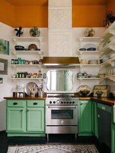 15 inspiradoras cocinas con armarios pintados (+DIY)