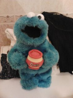 COOKIE MONSTER PHOTO :)