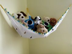 stuffed animal net. need to make one of these for my daughter who has way too many stuffed animals.