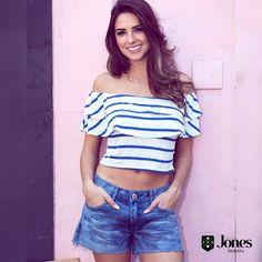 Cool e style 🌼 nossa tee ombro a ombro listrada (129) + shorts jeans (149) 😍🌅 #heroinadodenim #jeans #denim #lookmara #tee #listrada #shorts #jones #fortaleza #brasil