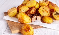 Good Housekeeping (GH) has created a foolproof recipe that guarantees crispy spuds every time. Their tricks include parboiling for exactly 12 minutes and sprinkling spuds with flour.