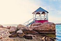 Shelter Island, NY - Quinipet Gazebo Shelter Island New York, Great Places, Places Ive Been, New York Christmas, New Amsterdam, Long Island Ny, Ny Usa, Am Meer, Travel Info