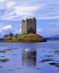 Castle Stalker by Port Appin near Oban, Argyll, Scotland - https://twitter.com/#!/tourscotland/media/slideshow?url=pic.twitter.com%2FxokLpnkD