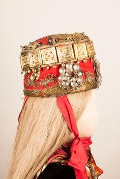Captain Hat, Costumes, Hats, Fashion, Moda, Dress Up Clothes, Hat, Fashion Styles, Fancy Dress