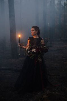 Wedding Themes Goth wedding inspiration - This Halloween-themed spooky inspiration shoot was set in Payson, Arizona, were a fire had burned down the forest. Set in-between the trees, they staged a romantic Halloween ballet. There were hors… Halloween Tags, Theme Halloween, Halloween Photos, Halloween Weddings, Halloween Wedding Dresses, Witch Photos, Halloween 2019, Halloween Decorations, Halloween Costumes