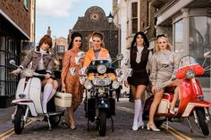 Shot By Rob Duncan Vespa S, Vespa Girl, Scooter Girl, Italian Chic, Scooter Motorcycle, N Girls, Mod Fashion, Back In The Day, Old School