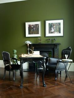 Hunter Green Walls in a Home Office. Adds a little bit of drama <3