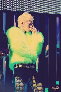 zico - stylenanda chunky neon jacket Fembois, Inspiration For Kids, Stylenanda, Boy Fashion, Fur, Neon, Boys, Jackets, Clothes