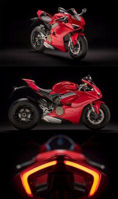 // L👀KS just as good from behind 😜😛🤩😘 Triumph Motorcycles, Ducati Motorbike, Motorbike Girl, Cars And Motorcycles, Ducati Motogp, Moto Bike, Motorcycle Bike, Bike Bmw, Ducati Custom