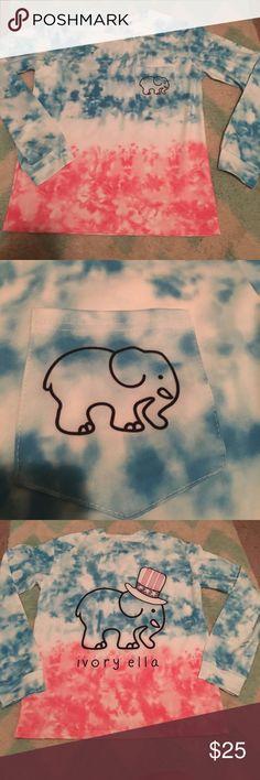 ❤️💙Ivory Ella long sleeved shirt Red white and blue ivory Ella shirt made of stretchy material ivory ella Tops Tees - Long Sleeve