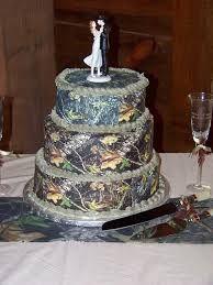 Camo wedding cakes - Keywords: #weddings #jevelweddingplanning Follow Us: www.jevelweddingplanning.com  www.facebook.com/jevelweddingplanning/
