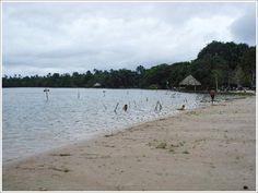 playas hermosas en las orillas de los rios y lagos de la selva Peru