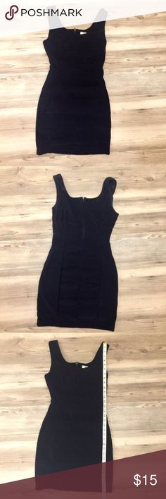 Navy fitted dress Sapphire Dollz navy fitted dress in size M!  Great dress to show all your curves😜. See pics for measurements! Sapphire Dollz Dresses