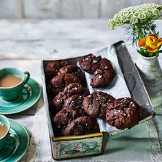 These have less sugar and butter than standard cookies. Make sure you use a dark chocolate with a high cocoa content for a rich, grown-up result. Rye flour adds a lovely toasty flavour. No Flour Cookies, Sugar Free Cookies, Dark Chocolate Cookies, Chocolate Muffins, Fancy Biscuit, Baking Recipes, Cookie Recipes, Best Biscuit Recipe, Baking Flour