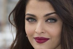 Considered by many to be the most beautiful woman in the world, the gaze of Bollywood star, Aishwarya Rai could certainly stop anyone in their tracks. Gaze on gorgeous! For her look, try our October Strips.
