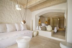 Kenshō Hotel Mykonos designed by Greek architect Alexandros Kolovos – casalibrary Interior Architecture, Interior And Exterior, Interior Design, Boutique Hotel Mykonos, Mykonos Luxury Hotels, Casa Hotel, Hotel Suites, Beautiful Interiors, Living Room Designs