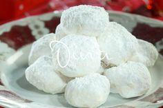 ΚΟΥΡΑΜΠΙΕΔΕΣ Holiday Traditions, Holiday Baking, Biscuits, Dairy, Sweets, Cheese, Traditional, Recipes, Greek
