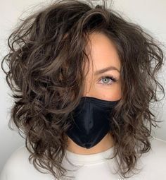 Medium Length Hair Cuts With Layers, Medium Layered Hair, Medium Short Hair, Medium Hair Cuts, Medium Hair Styles, Curly Hair Styles, Short Layered Curly Hair, Medium Brown Hair, Curls For Medium Length Hair