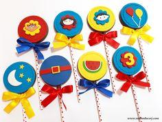 "Pirulitos de chocolate no tema ""Show da Luna""!  #showdaluna #pirulitoshowdaluna #festashowdaluna #pirulitodechocolate #pirulitodechocolateshowdaluna #pirulitodecorado #pirulitodechocolatedecorado #pirulitosshowdaluna  #earthtoluna  #earthtolunaparty #sonhodocerj #party Circo Do Mickey, Party, Silhouette, Instagram, Kids Part, Birthday Party Ideas, Ideas Para Fiestas, Parties Kids, Silhouettes"