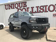 Don't like the look of your ride? Customize! We'll custom paint, pinstripe and airbrush anything. 1994 Bronco Lotus blue gray beauty, yeah baby! #collision #restoration www.facebook.com/unique.collision.tulsa Broncos Pics, Broncos Pictures, Bronco Truck, Bronco Ii, Old Pickup Trucks, Lifted Ford Trucks, Ford Bronco 1996, Bed Liner Paint, Bronco Concept
