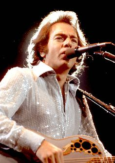 World's Best Neil Diamond Sequin Shirt Stock Pictures, Photos, and Images - Getty Images Neal Diamond, Diamond Girl, Pop Music Artists, The Jazz Singer, Diamond Picture, Silicone Reborn Babies, John Denver, Sequin Shirt, Famous Singers