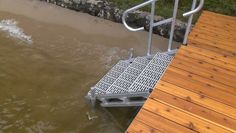 Aluminum Dock Stairs - Great Northern Docks - Open frame structure and porous treads let waves pass through. Outdoor stairs for docks, hills & nature trails Floating Boat Docks, Diving Pool, Lake Dock, Lakefront Property, Outdoor Stairs, Boat Lift, Lake Cabins, Rustic Design, Boathouse