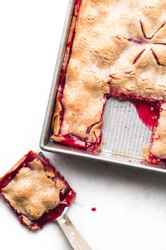 Raspberry Slab Pie is a luxe dessert for berry season ~ I've used refrigerated pie crust to make it quick and easy, just add tons of fresh berries! Easy Dessert Bars, Pie Dessert, Easy Desserts, Dessert Recipes, Awesome Desserts, Cherry Slab Pie Recipe, Tart Recipes, Sweet Recipes, Pastries Recipes