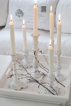 Vitt hus med vita knutar: Ombyte förnöjer...
