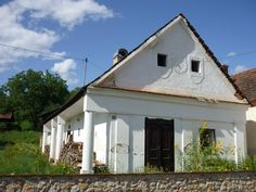 tornácos ház Traditional House, Hungary, Provence, Gazebo, Farmhouse, Neon, Outdoor Structures, Cabin, House Styles