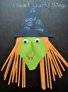 Kids will love making this fun Witch Craft for Halloween. Toddler Halloween, Halloween Crafts For Kids, Crafts For Kids To Make, Halloween Projects, Halloween Art, Holidays Halloween, Halloween Themes, Fall Crafts, Holiday Crafts