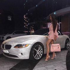 25 looks bonitos de maquillaje para probar en 2019 - estilo de vida - estilo de vida saludable - estilo de vida millonario - estilo de vida mujer - estilo de vida ideas Boujee Lifestyle, Luxury Lifestyle Fashion, Jet Set, Jet Privé, Girly Car, Bmw Classic Cars, Luxury Girl, Billionaire Lifestyle, Rich Girl