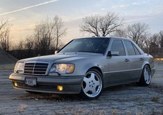1994 MBClassic Youngtimer Life_Style_Mercedes_Benz lifestylemercedesbenz Mercedes_Benz MB Мерседес_Бенц ㉦ Mercedes 124, Mercedes Benz Classes, Mercedes Benz Cars, Bmw Classic Cars, Classic Mercedes, Classic Cars Online, Mercedez Benz, E 500, New Tyres