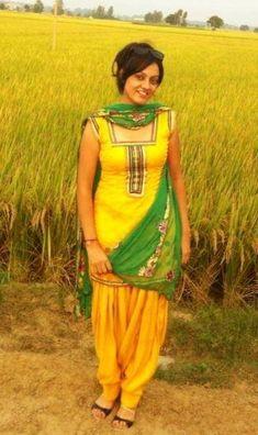 Indian Salwar Suit, Salwar Suits, Tamil Girls, Punjabi Dress, Shalwar Kameez, Love Wallpaper, Girl Face, Atc, Curves