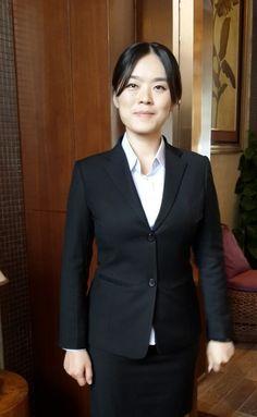 Sales suit