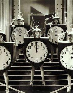 Around the clock, 1930. S)