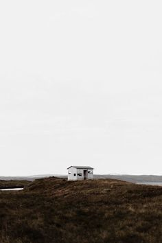 Домик Саши | ВКонтакте Minimal Photography, White Photography, Landscape Photography, Nature Photography, Minimal Travel, Destinations, Camping Photography, To Infinity And Beyond, Beautiful Places To Travel