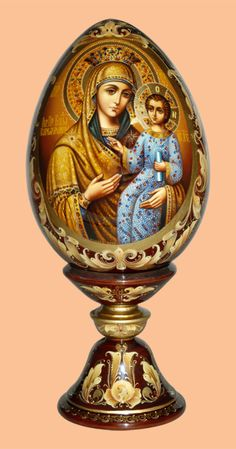 Egg Crafts, Easter Crafts, Egg Shell Art, Ukrainian Easter Eggs, Faberge Eggs, Madonna And Child, Egg Art, Wooden Hand, Orthodox Icons