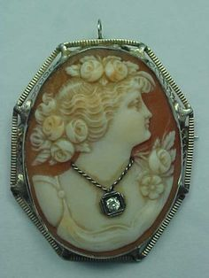 Gorgeous Antique 14K Gold Shell Cameo Brooch Pin Pendant w Diamond