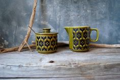 Here is a fabulous vintage Hornsea England Sugar Bowl and Creamer set. This set is in the Heirloom pattern and is a wonderful geometric design in black
