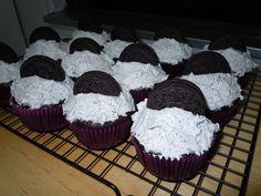 Vegan cookies & cream cupcakes
