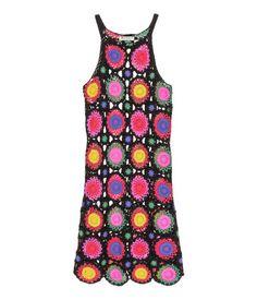 Negro/Multicolor. H&M LOVES COACHELLA. Vestido de cuadros de ganchillo en tejido de algodón. Tirantes finos. Sin forrar.