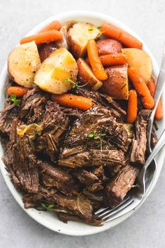 10 Instant Pot Recipes for Beginners. Juicy and tender instant pot pot roast and potatoes with gravy makes the perfect family-friendly dinner. This easy one pot dinner recipe will please even the picky eaters! Pot Roast Recipes, Crockpot Recipes, Yummy Recipes, Cooking Recipes, Healthy Recipes, Roast In Crockpot, Pork Roast, Game Recipes, Beef Tenderloin