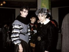 From Punks to New Romantics a Photographer Spent the Decade Snapping Each of the Music Gangs vintage everyday Goth Music, 80s Music, Vintage Hipster, Vintage Fashion, 80s Fashion, Blitz Kids, Goth Glam, Romantic Goth, 80s Punk
