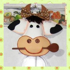 Porta pano de prato de vaquinha - Drika Artesanato