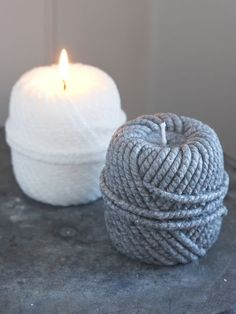 This wonderfully textured rope candle looks so real!