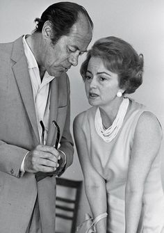 Olivia de Havilland and the Most Notorious Sibling Rivalry in Hollywood