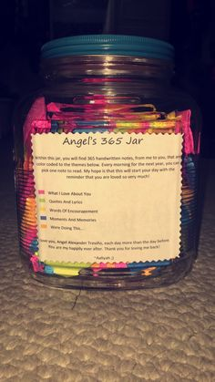 Boyfriend Puts Love Notes In A Jar For His Girlfriend To Read - Boyfriend puts 365 love notes jar girlfriend read year