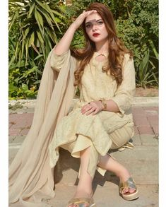 Prom Girl Dresses, Girls Dress Up, Party Wear Dresses, Little Girl Dresses, Pakistani Fashion Party Wear, Pakistani Formal Dresses, Pakistani Dress Design, Pakistani Suits, Stylish Dresses For Girls